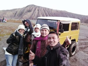 sewa jeep bromo dari batu